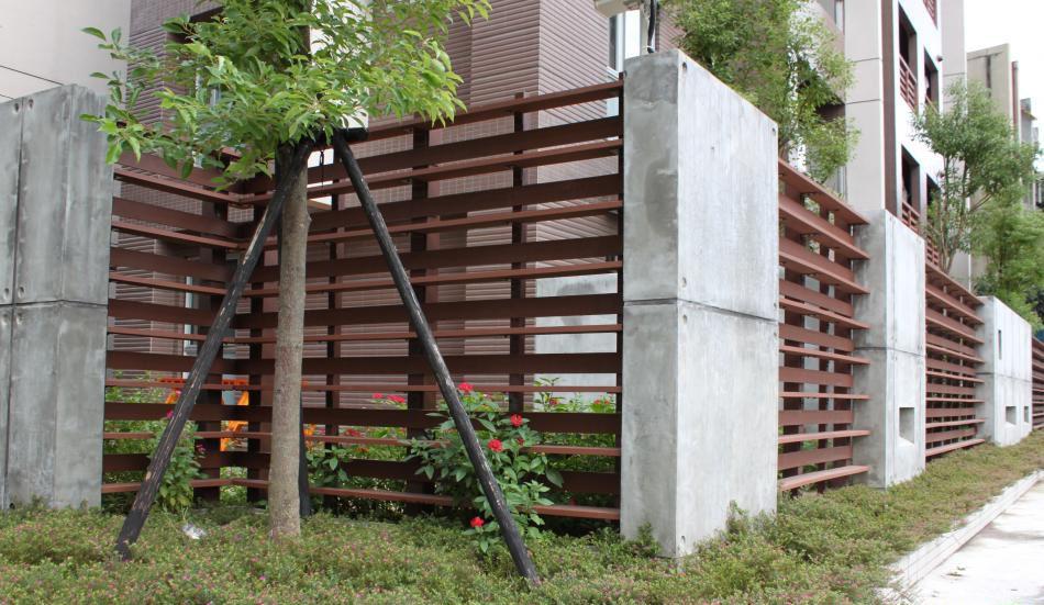 composite privacy fence panels in uk eco friendly pvc. Black Bedroom Furniture Sets. Home Design Ideas