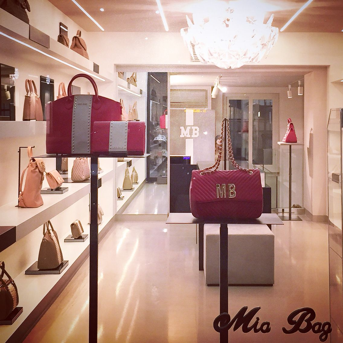 Mia Bag store