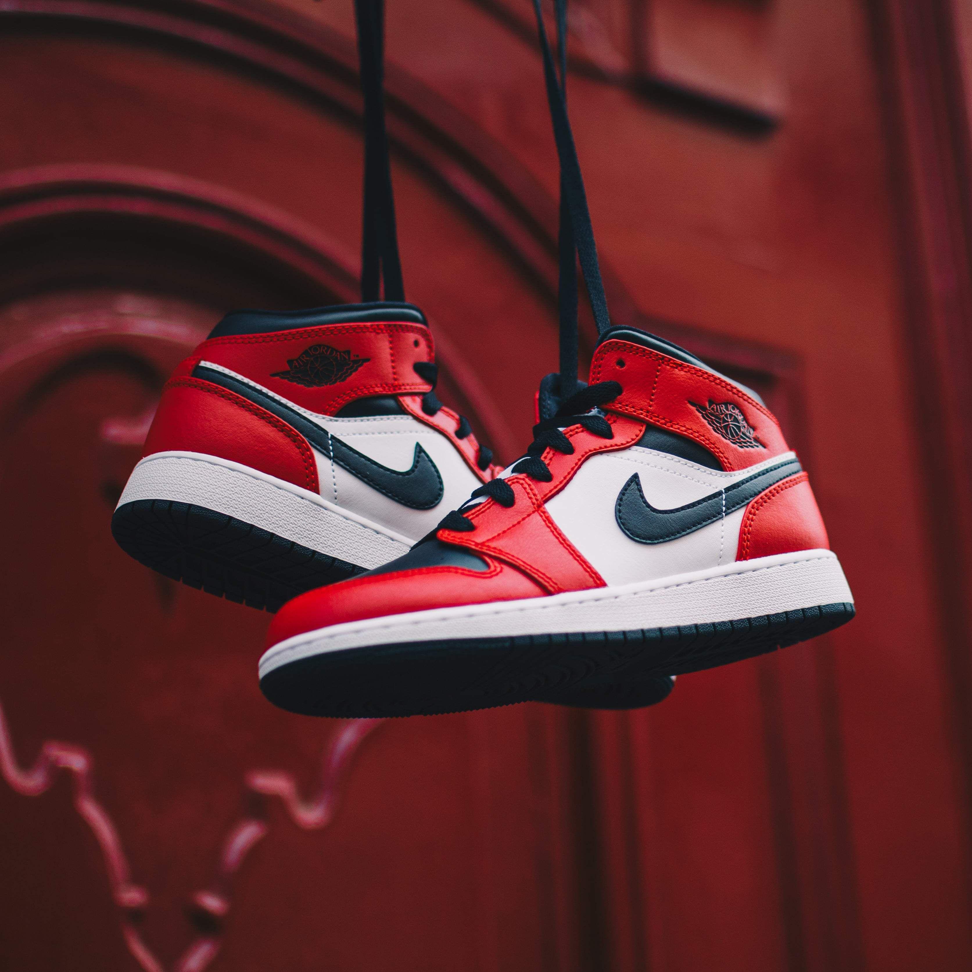 chaussure air jordan 1 rouge