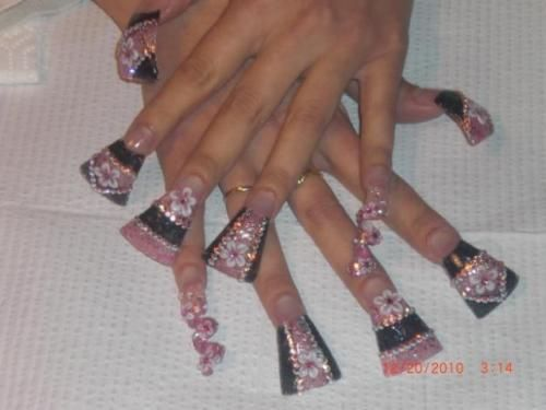 Duck Nail Tips And Cork Screw Nails I Would Sooo Be Crippled With Those Flare Nails Duck Nails Duck Feet Nails