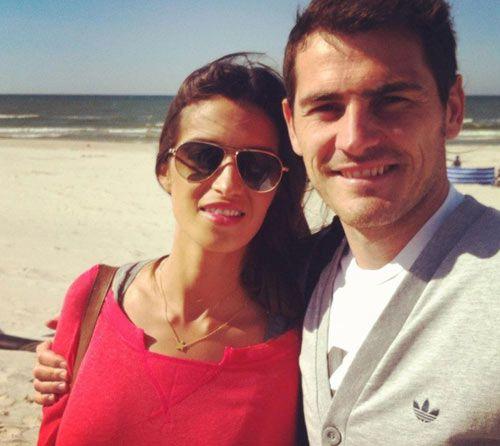 """Iker Casillas y Sara Carbonero: """"¡Contentos y disfrutando de un lugar fantástico! El Mar Báltico a nuestras espaldas..."""" #soccer #football #futbolistas #parejas"""