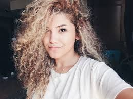 Image Result For Curly Hair Tumblr Hair Styles Blonde Curly Hair Curly Hair Styles
