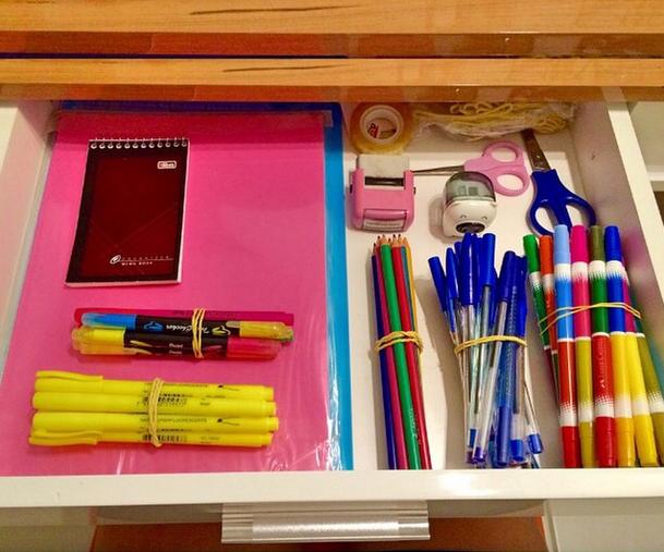 E sua gaveta não estaria assim. | 23 sinais de que você deveria morar em uma papelaria