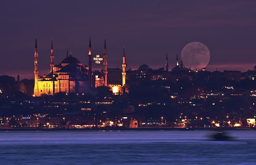 Love the sights, sounds and smells of this city!   Istanbul, Turkey  Sultanahmet by Bora Tanrıverdi