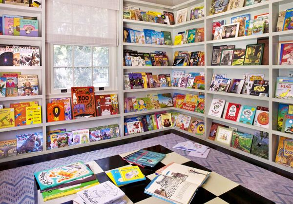 Children's Library  would be so awesome to have a play room for the kids like this.