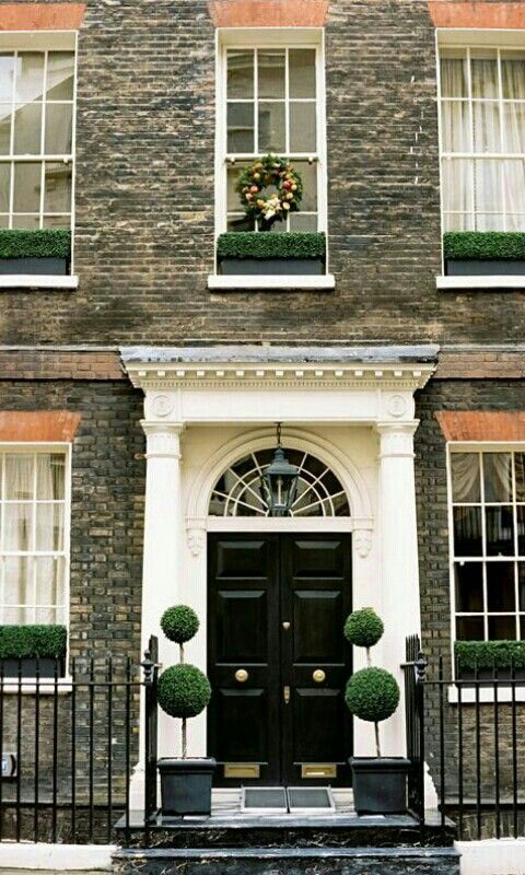 Londres | Entry | Pinterest | Doors, Front doors and Architecture