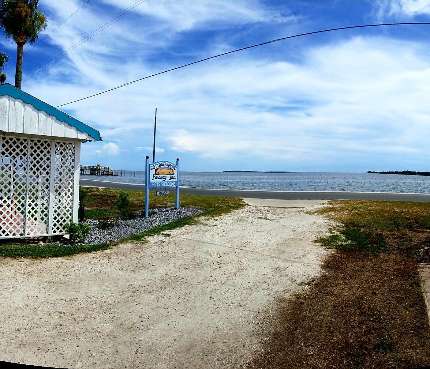 Beautiful Cedar Key Florida and Faraway Inn along the ...