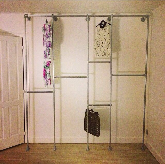 awsome alternative to a normal closet diy clothing rack pinte. Black Bedroom Furniture Sets. Home Design Ideas