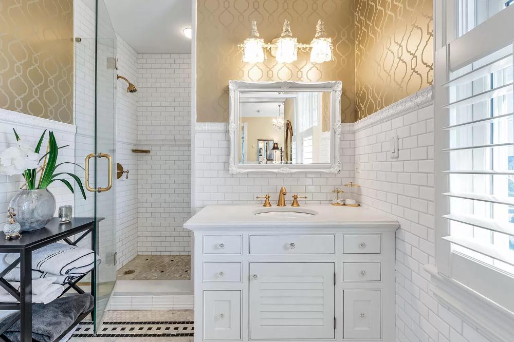 100 Newark Ave Spring Lake Nj 07762 Mls 22004644 Zillow Unique Bathroom Design Bathroom Pictures Small Bathroom Remodel