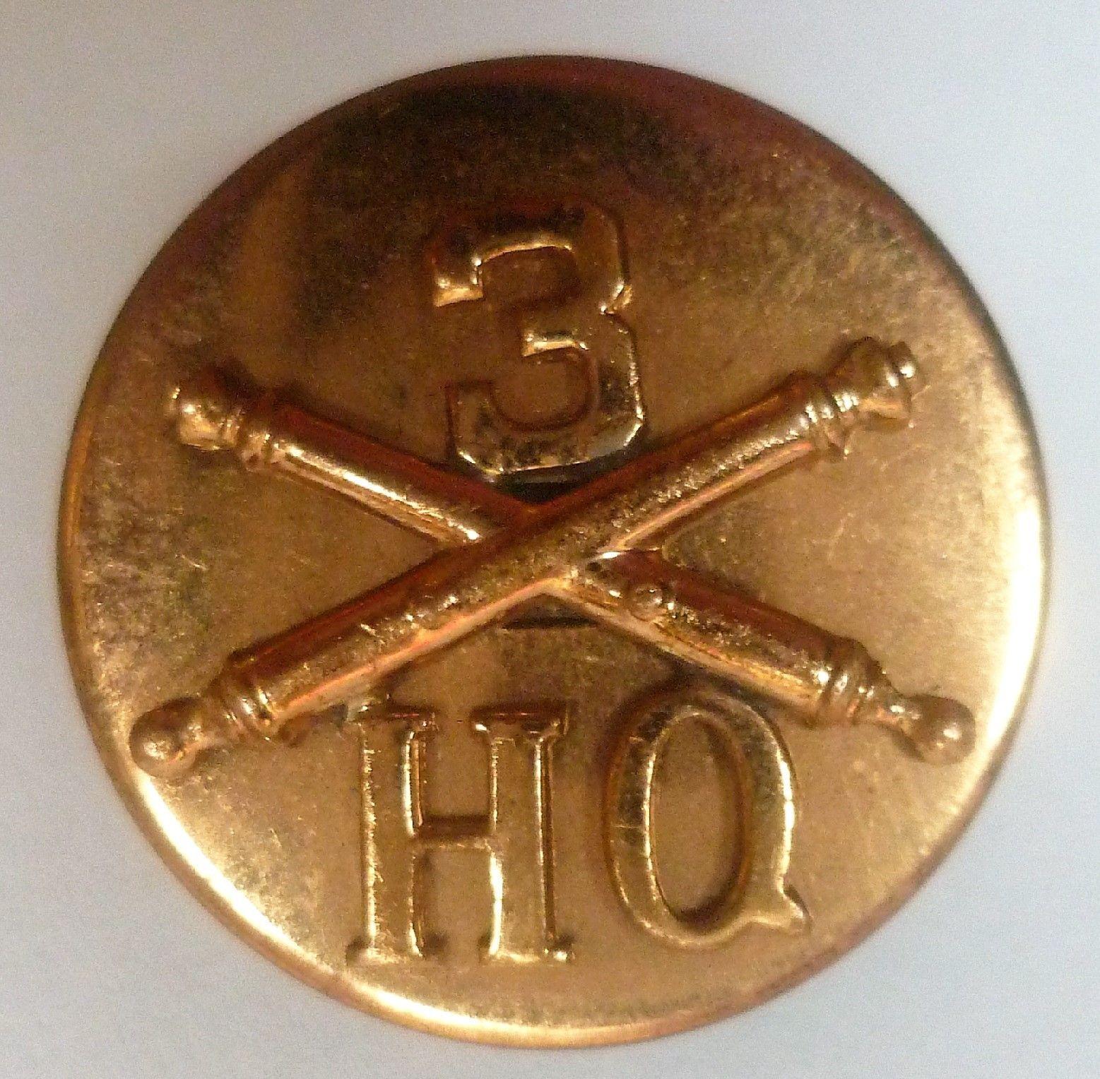US 3rd Artillery HQ Collar Disc Screw Fitting 1937 1943
