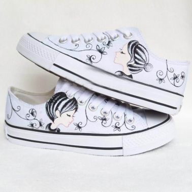 Elegant White Flower Printed Canvas Sneakers on BuyTrends.com