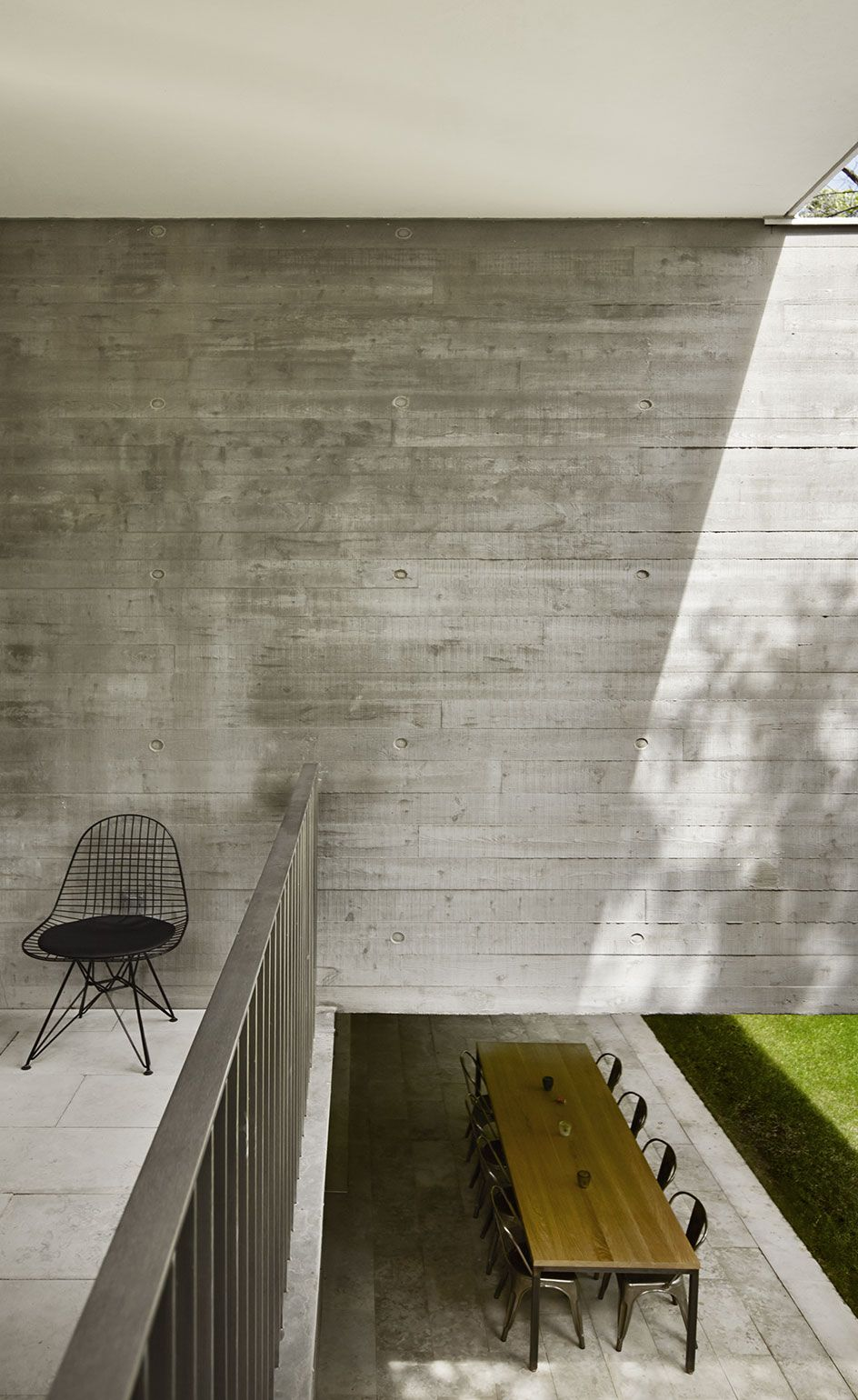 Urban Dream Nature And Concrete Meet In This Canadian Home Architecture House Concrete House Architecture