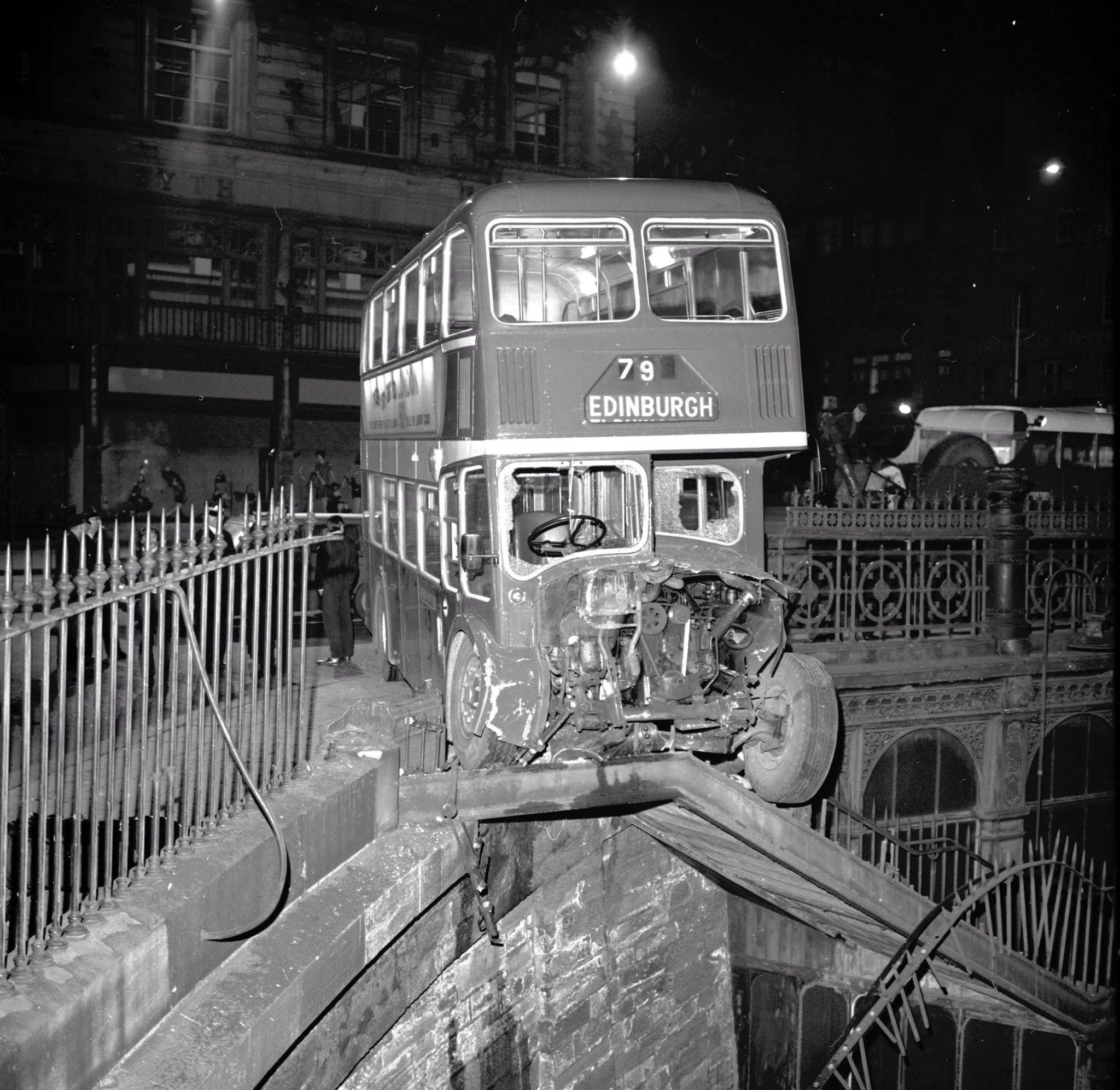 режиме поезд из лондона в эдинбург фото герои были