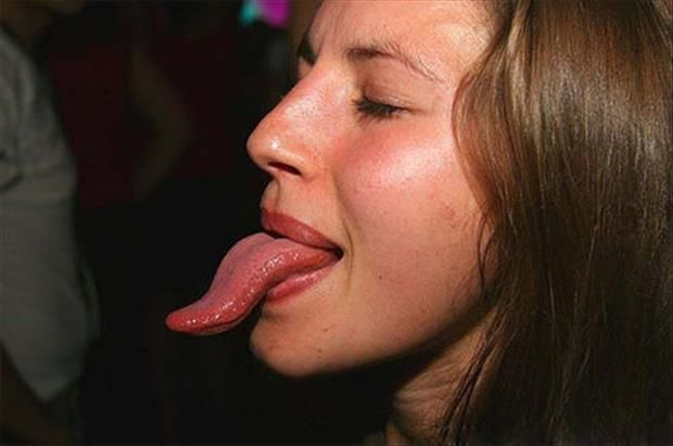 Women With Freakishly Long Tongues - 37 Pics  Tongue -3971