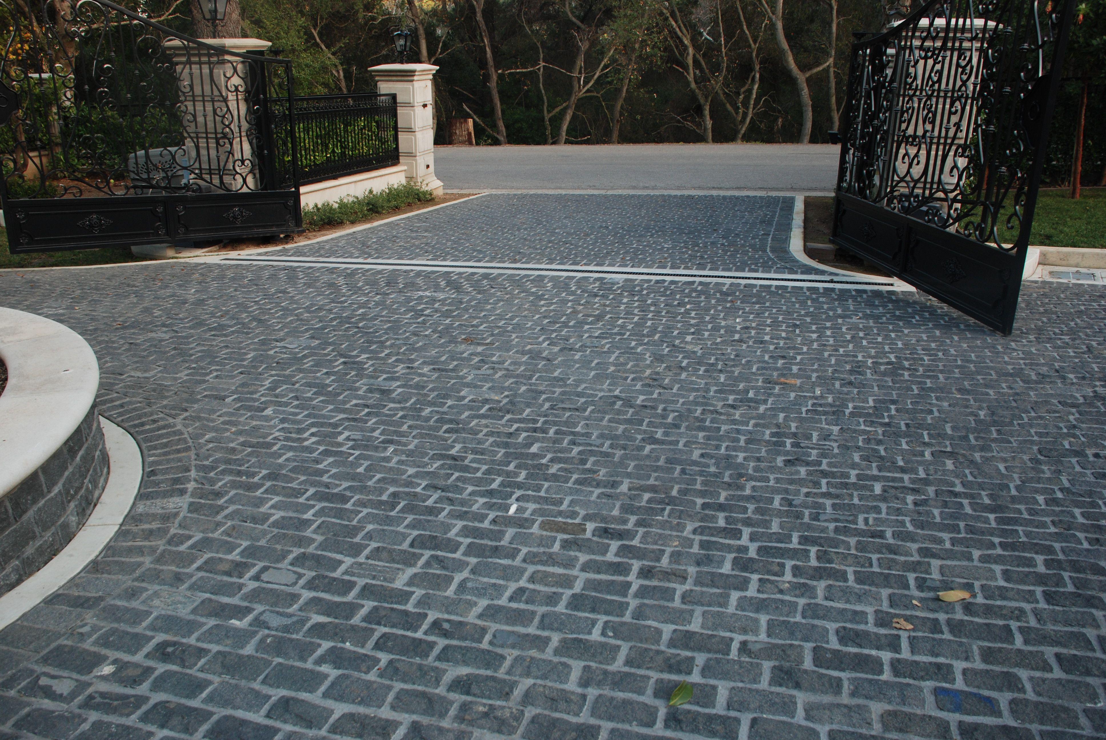 Granite Black Cobbles Stone Backyard Cobblestone Driveway Backyard Patio Designs