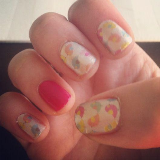 lovebird mani! so cute :)