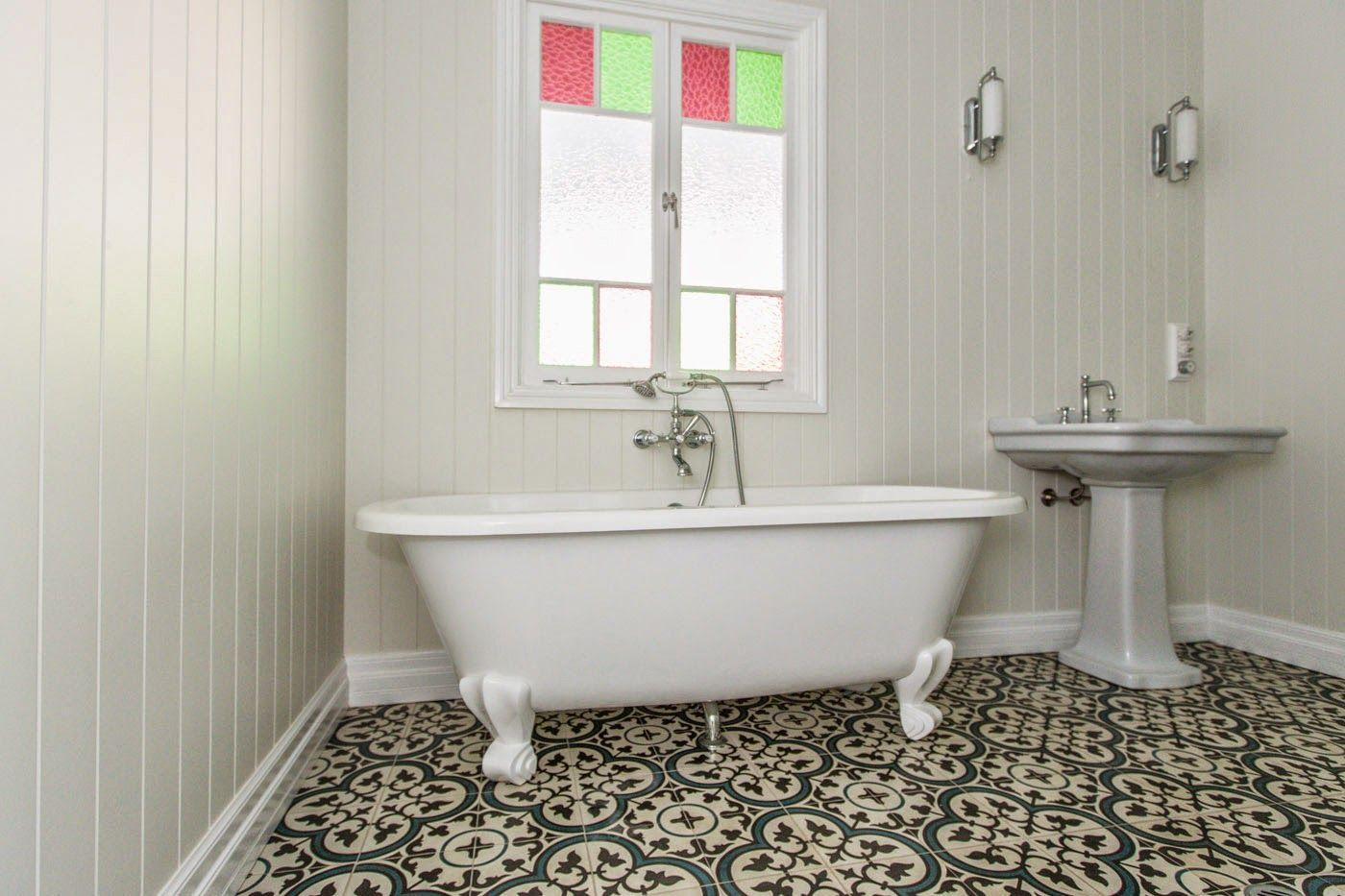 Renovating a Queenslander: Bathrooms  Vintage bathroom tile, Tile