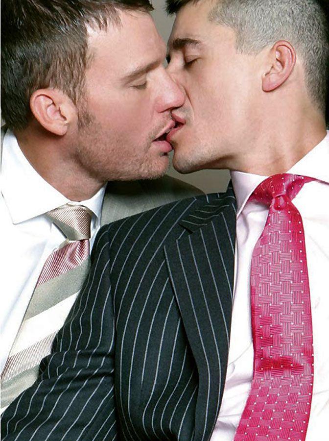 Delicious homo clip with oral plow scenes
