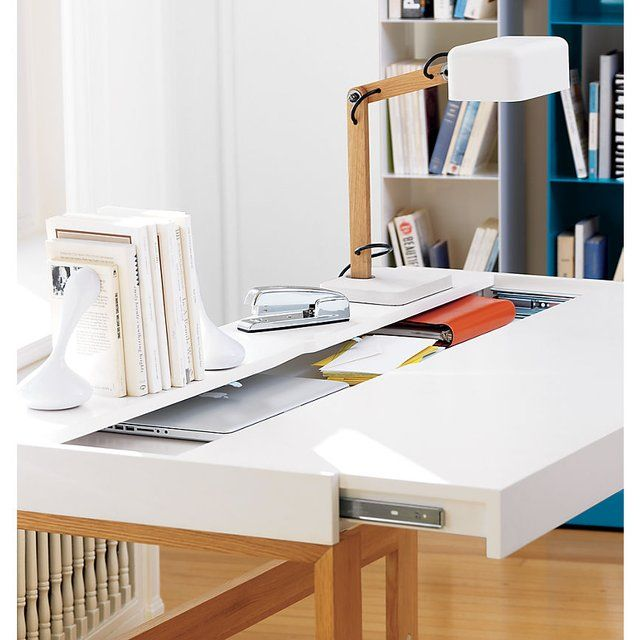 Attractive Immaculately Clean White Desktop Is Either The Sign Of A Highly Organized,  Compulsive Neatnik.