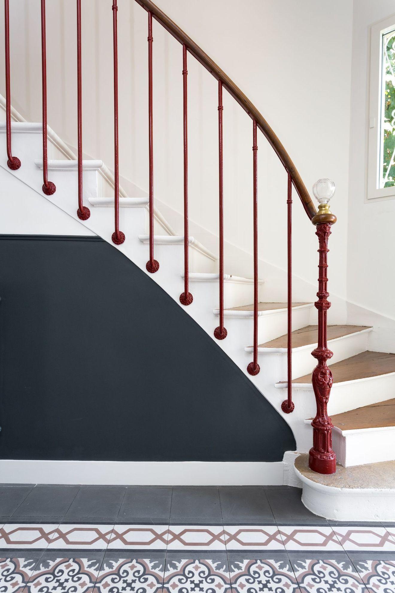 Escalier Dans Maison Ancienne maison de famille près de paris : une demeure 1900 rénovée