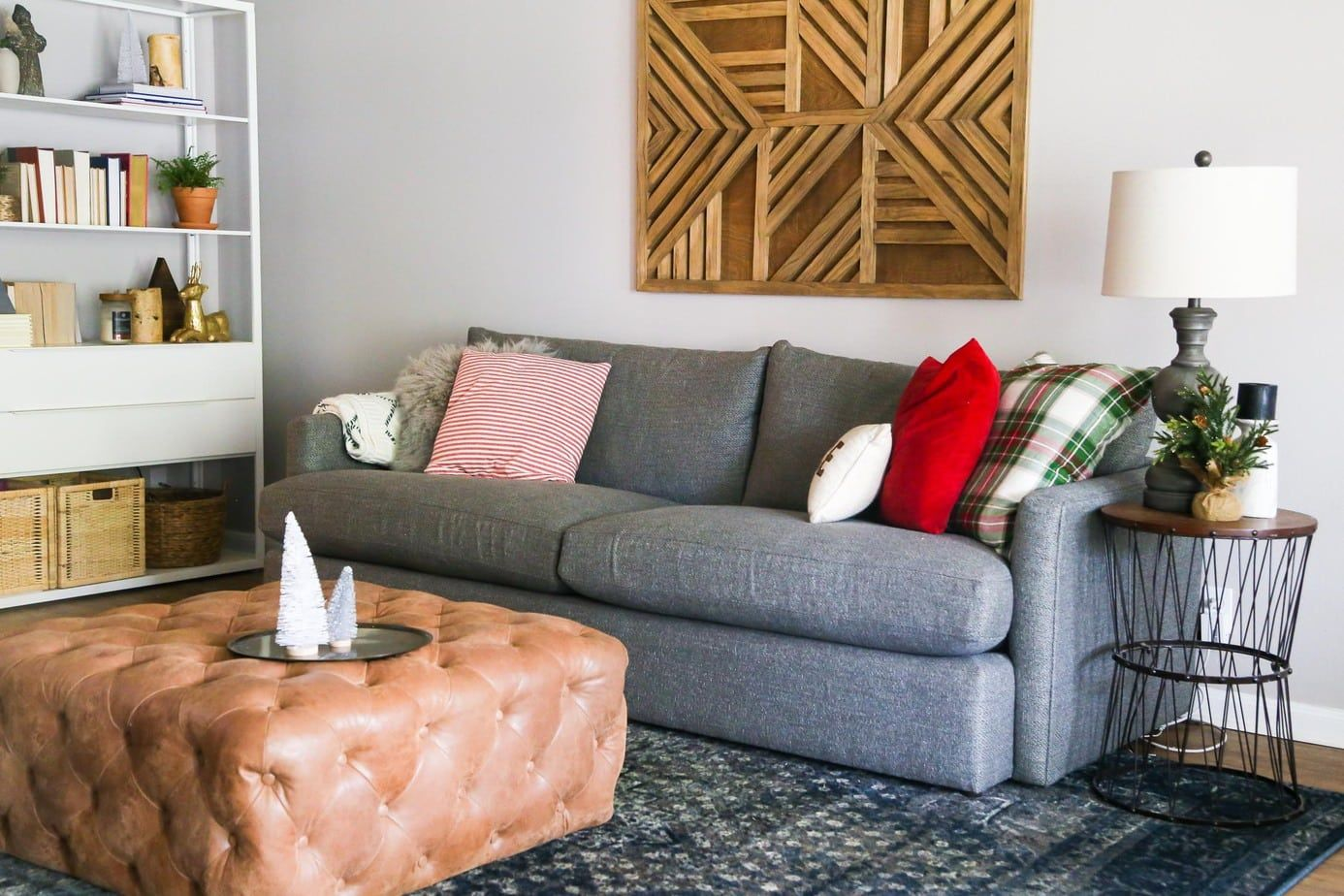 A Review Of The Crate Barrel Lounge Ii Petite Sofa It S A Big Comfy Couch That S Perfect For Families Who Are Lo Lounge Sofa Comfy Couch Chaise Lounge Sofa