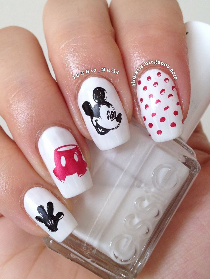 Mickey Mouse nail art | uñas | Pinterest | Mickey mouse nail art ...