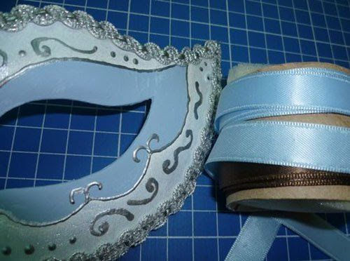 How To Decorate A Mask For A Masquerade Ball Craft Ideas And Wall Decorations Making Masquerade Ball Masks