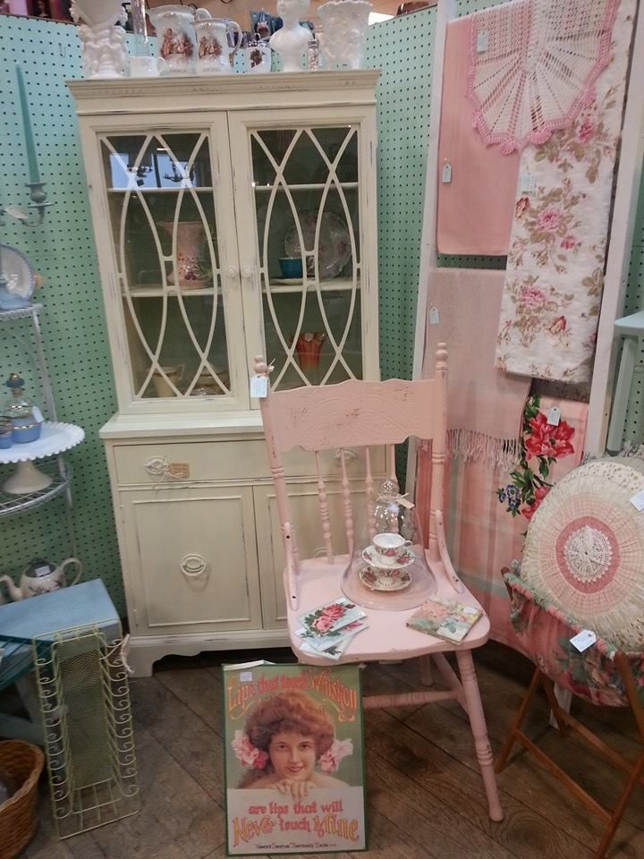 Vintage Vignette in my booth at Old Strathcona Antique Mall ...