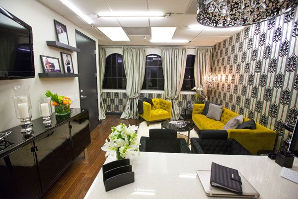 Keeping up with the kardashians office designs office for Decoration maison khloe kardashian