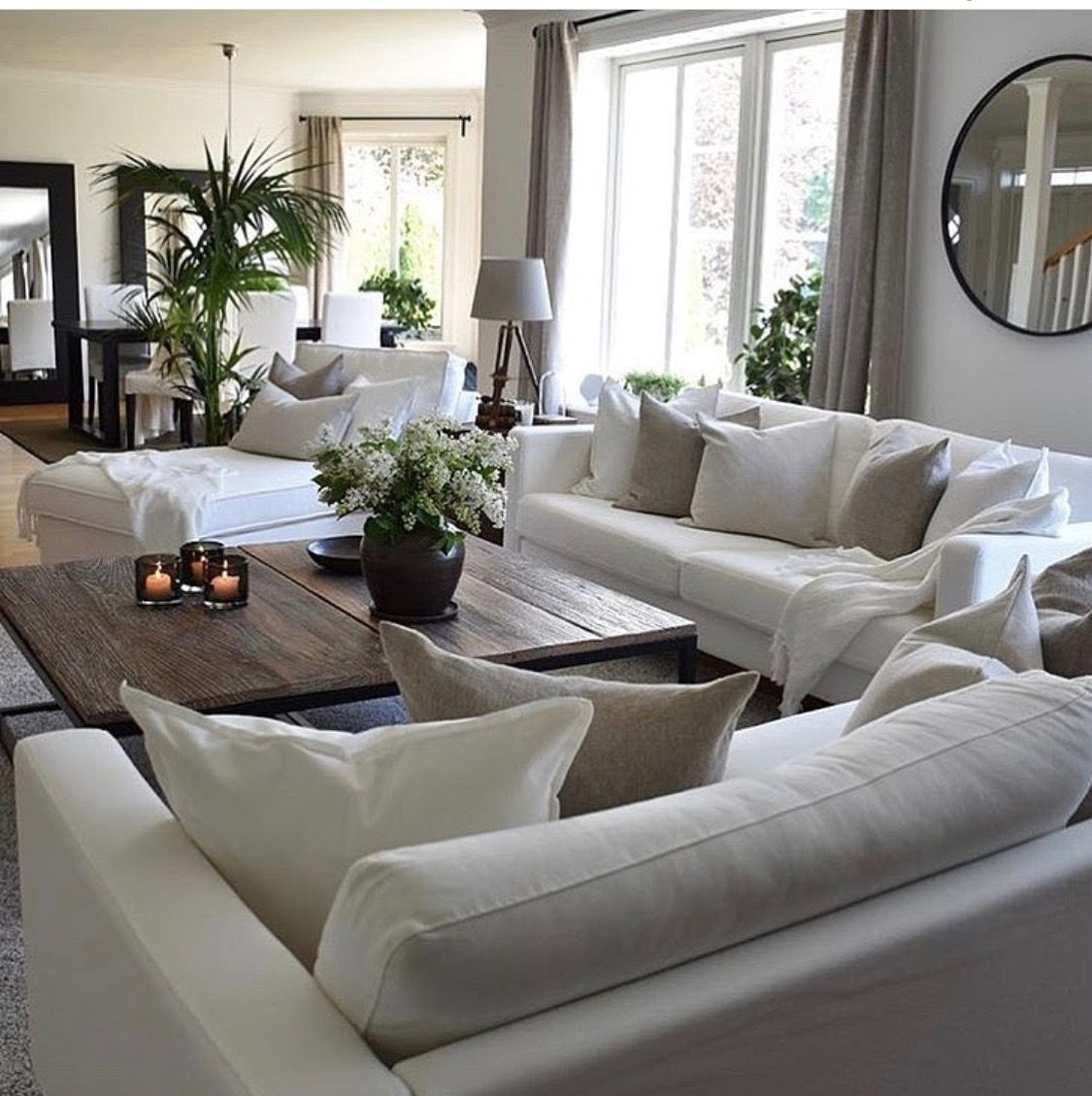 Linen sectional sofa, raw wood table, cosy, light and bright #coastallivingrooms