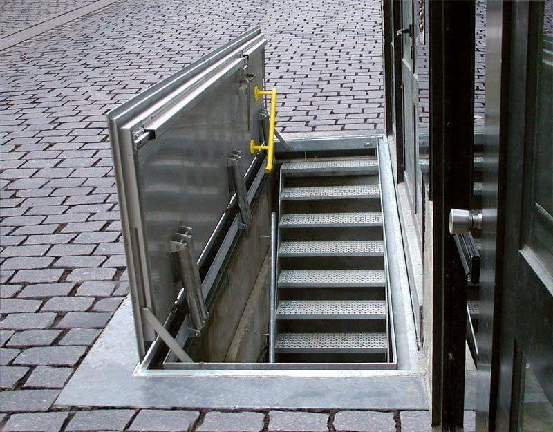 Metal Hatch / Floor Mounted / Rectangular / With Drainage Channel FLOOR DOOR  WA Gorter