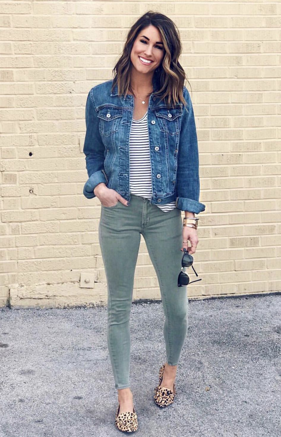 Jean Jackets Go With Everything Popular Spring Outfits Clothes Casual Outfits [ 1469 x 946 Pixel ]
