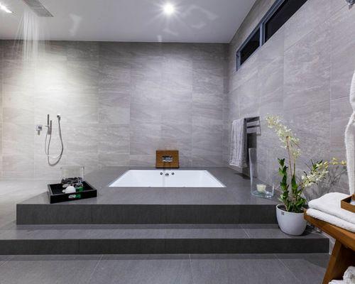salle de bain avec une baignoire encastr e photos et. Black Bedroom Furniture Sets. Home Design Ideas