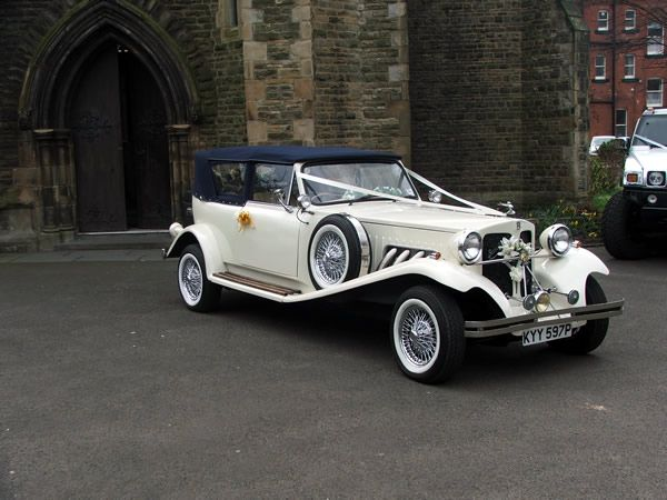 Pin By Limo Scene Wedding Cars On Vintage Weddings Themes 2015 Wedding Car Hire Vintage Wedding Theme Limo Scene