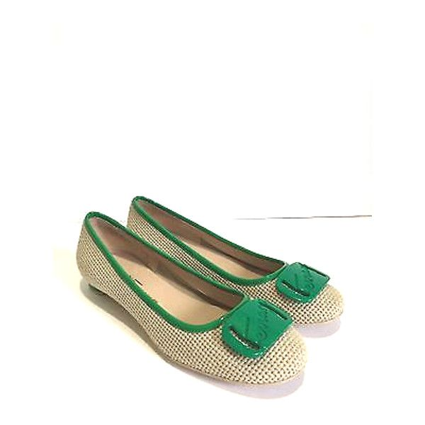 Pre-Owned My Ferragamo linen/green Low Heel Pumps Flats ($222) ❤ liked on Polyvore featuring shoes, green, green flats, summer shoes, flat pumps, summer flats and salvatore ferragamo shoes