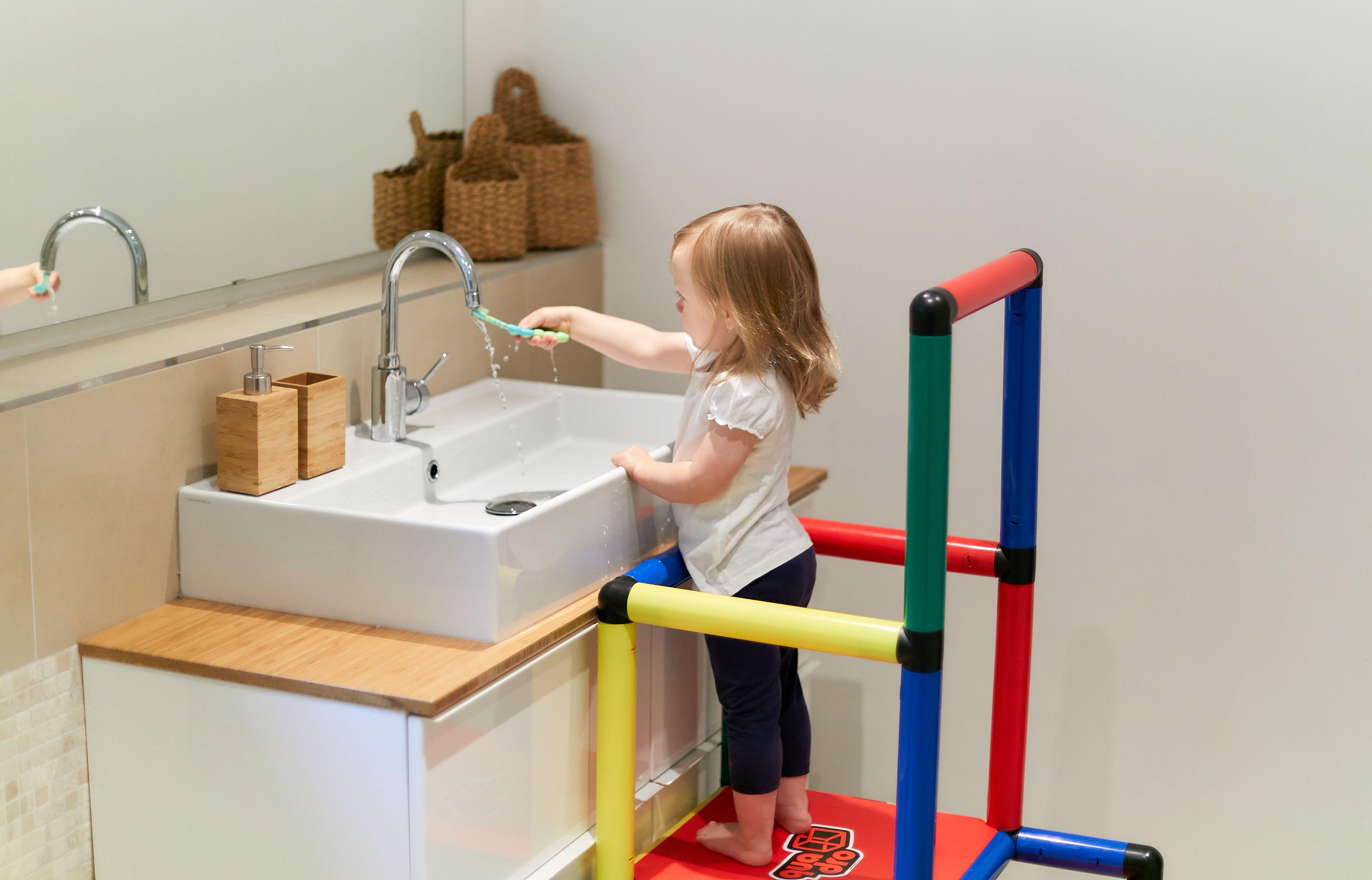 Pin Von C Webi Auf Spielen Lernturm Baby Badezimmer Bad Aufbewahrung