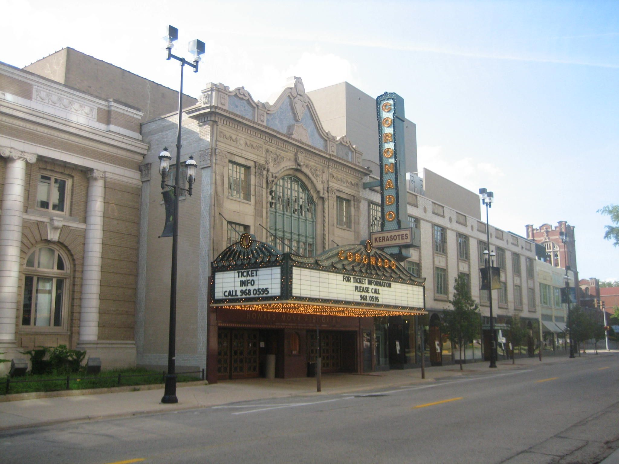 Rockford Illinois The Coronado Theater One Of Awesome Things In