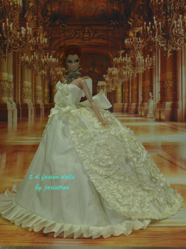 wedding dress-fashion-royalty-silkstone-barbie-model-fr ooakt.d.