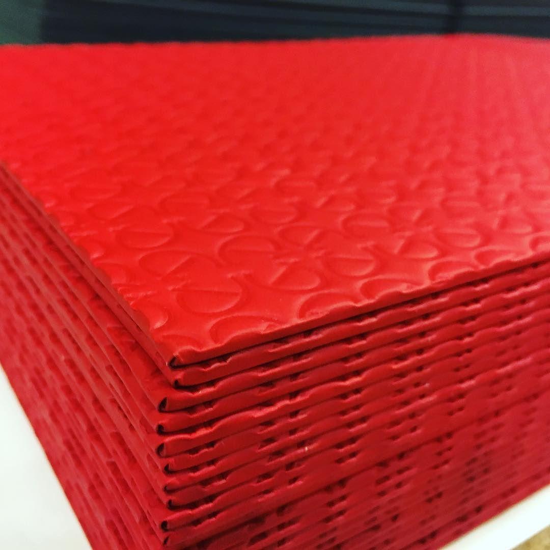 Rojo Pasion Para Una Cartas Espectaculares Pronto Estaran Acabadas Y Os Las Podremos Ensenar Artesania Restauracion Innovation Cocteles Rojo Instagram