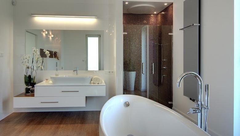 Znalezione Obrazy Dla Zapytania Oświetlenie łazienkowe Nad