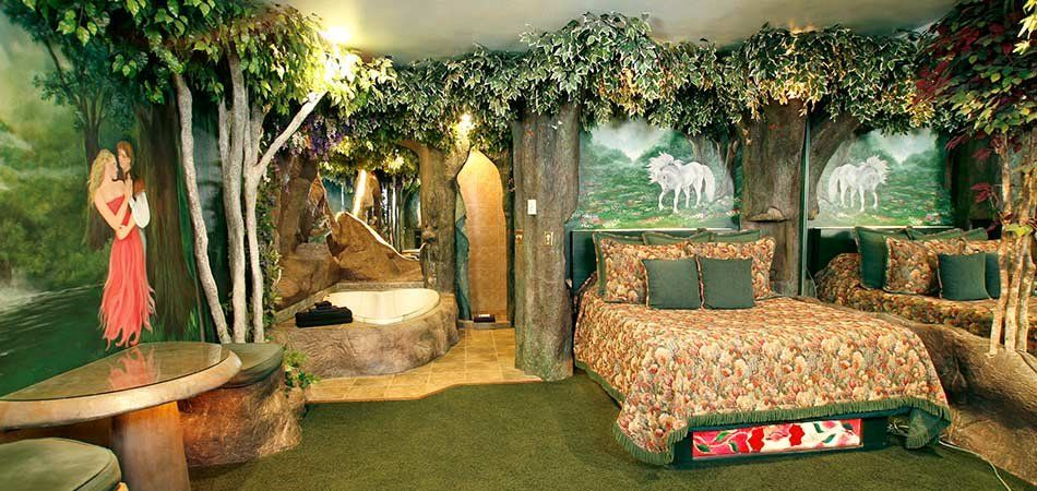 Enchanted Forest Suite At Black Swan Inn In Pocatello Id Forest