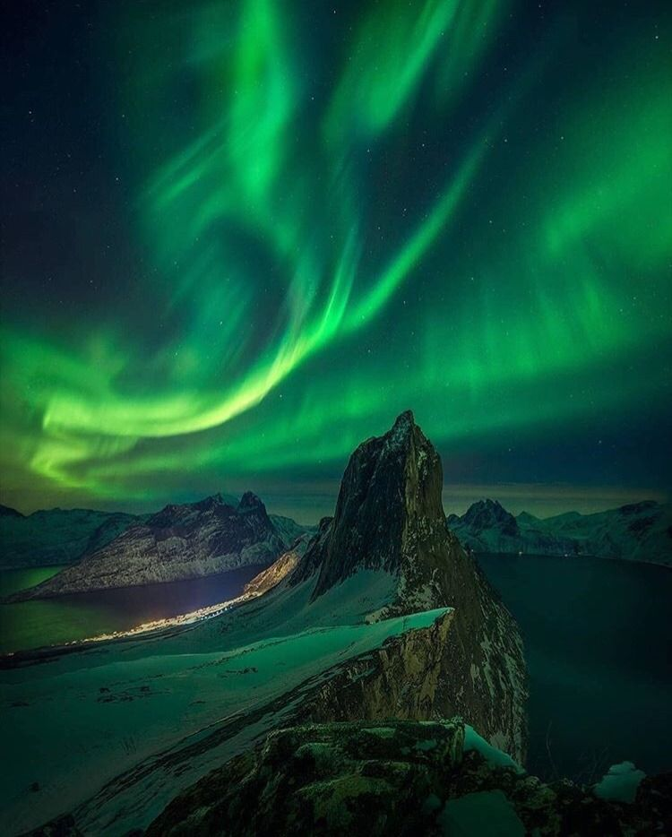 Northern Lights over Senja, Norway | Photography by © Max