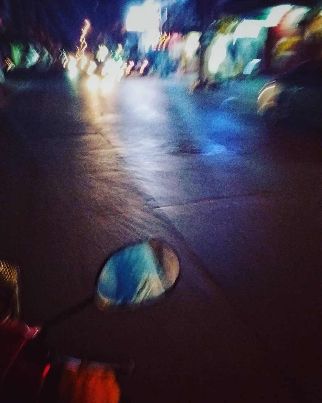 🎶🎶🎶Ma quanto è bello andare in giro con le ali sotto ai piedi🎶🎶🎶 #vespa #lealisottoipiedi #moto #live #smile #smilemore #airintheface #bike #mimanchi #viajandoando #mimanchiguapo #itshotinhere #bangkok#thailand🇹🇭#iamhere#iamokmom#basedinthailand