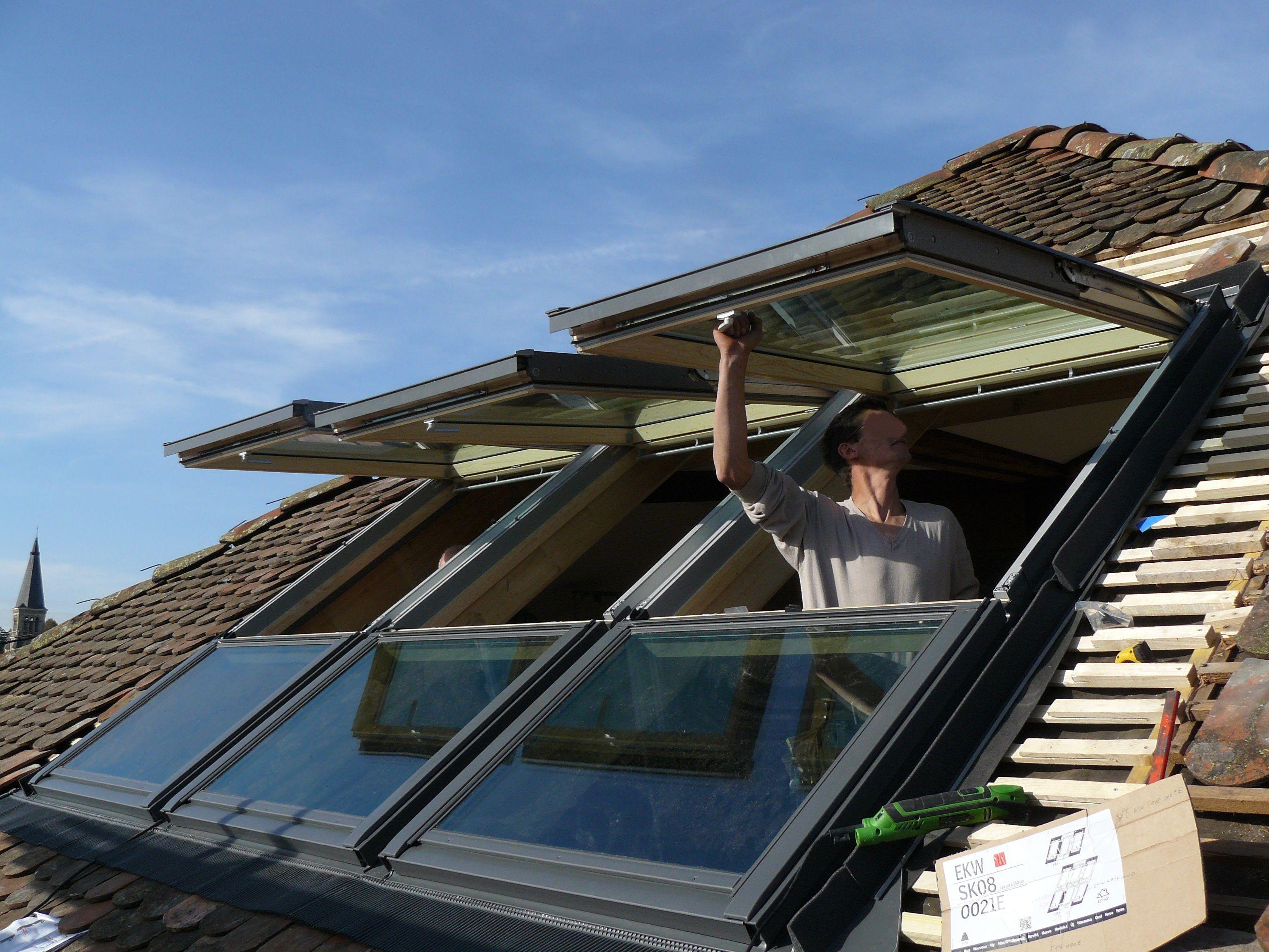 Bordures de toiture et rives bois. Nous maîtrisons les solutions d'habillage, de protections et ...