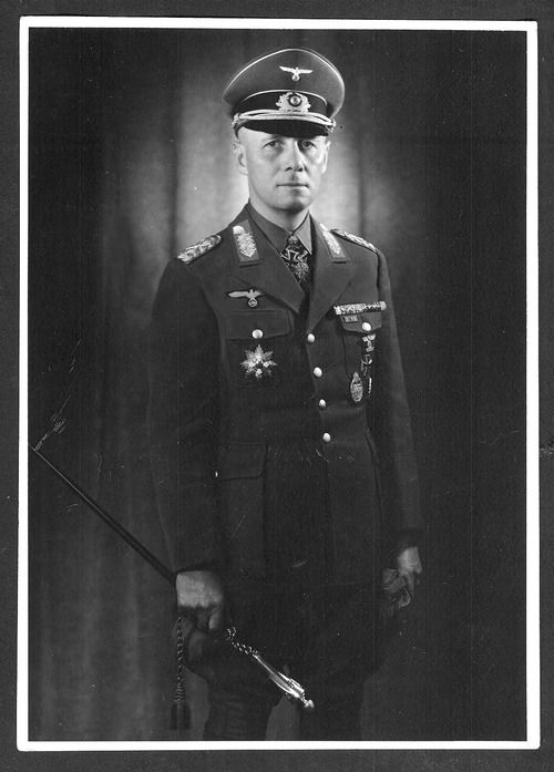 biography erwin rommel Erwin rommel - general - biography erwin rommel was born in heidenheim, germany, on november 15, 1891 the son of a teacher, rommel joined the german infantry in 1910 and fought as a lieutenant in world war i, in france, romania and italy.