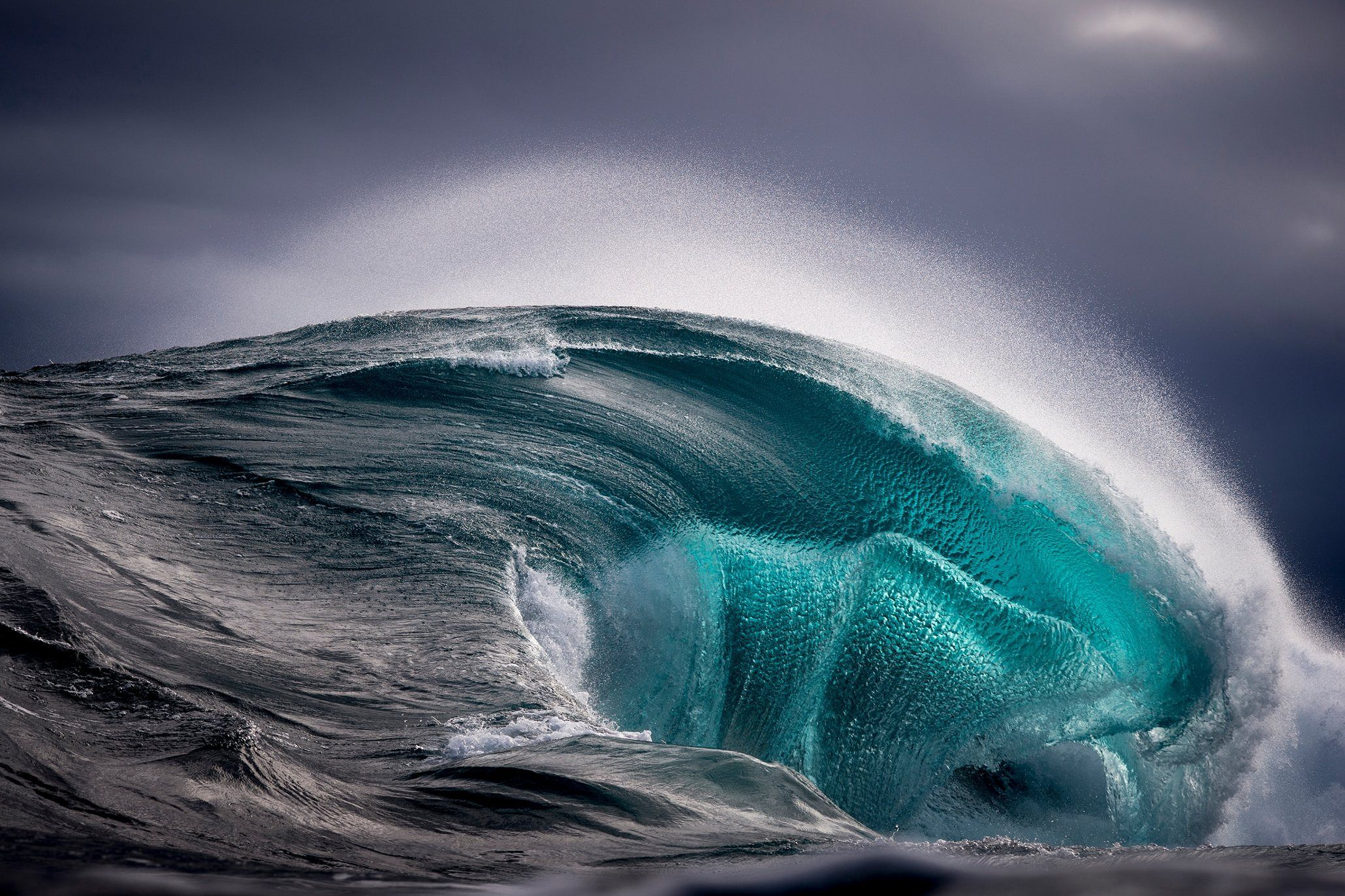 Ever Changing Seascapes In Pictures Ocean Surf And Ocean Waves - Incredible photographs of crashing ocean waves by ben thouard