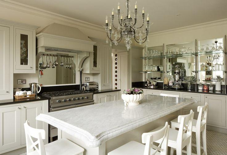 cocinas elegantes blancas con molduras - Buscar con Google Cocinas - cocinas elegantes