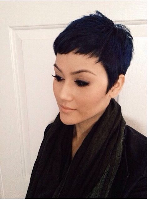 Angled Pixie This Short Hairstyle Is Contrasted By Longer