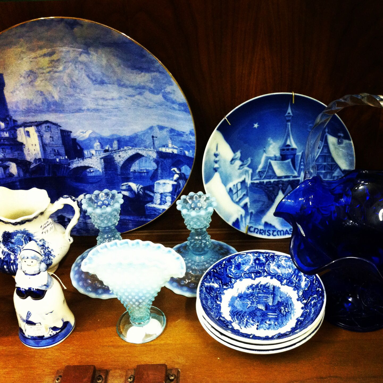 Treasures Antique Mall Springville Utah McAffee Mercantile blue and white #mcaffeemercantile