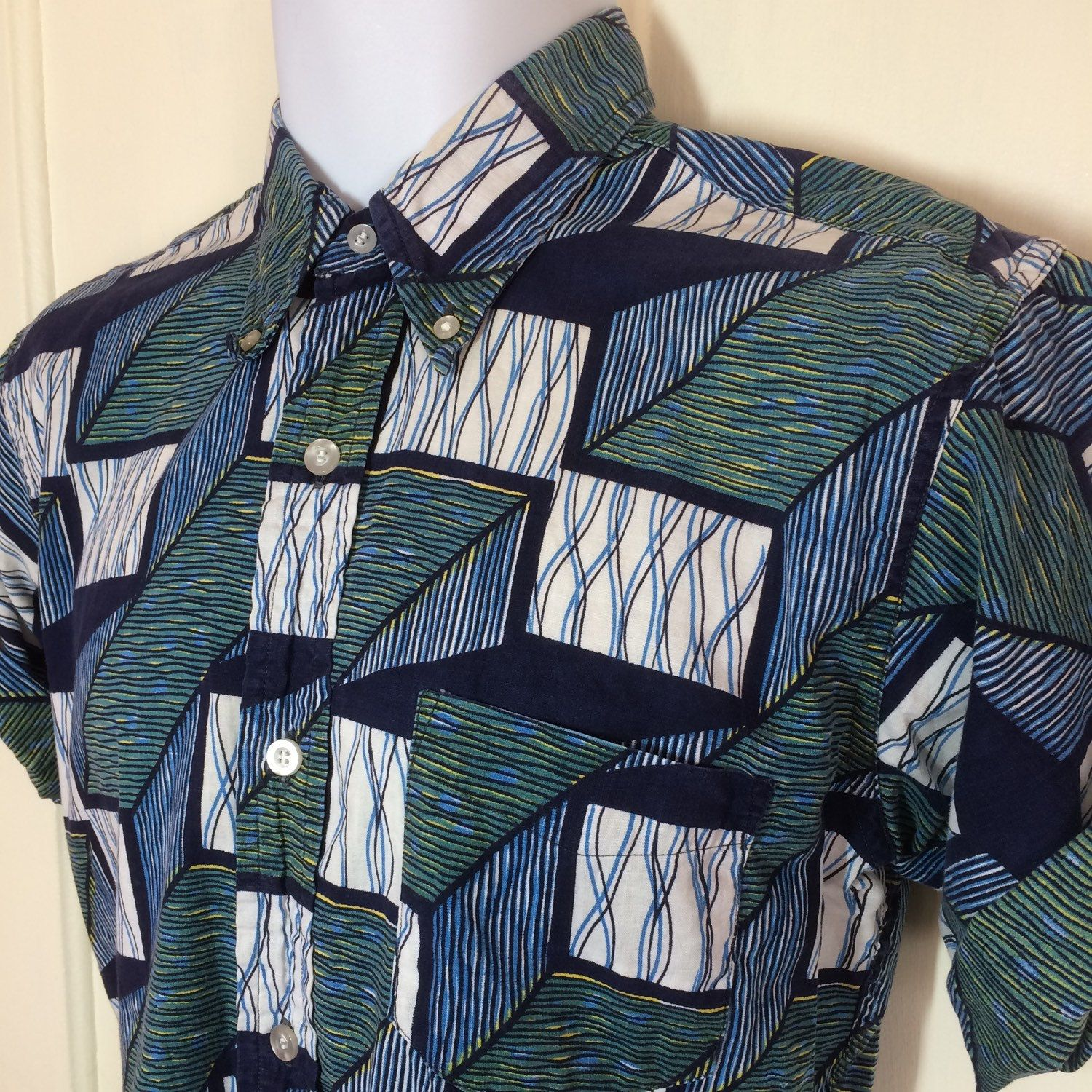 1960s Abstract Batik Patterned Button Down Collar Short